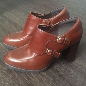 Clarks Artisan Leather Work Heels